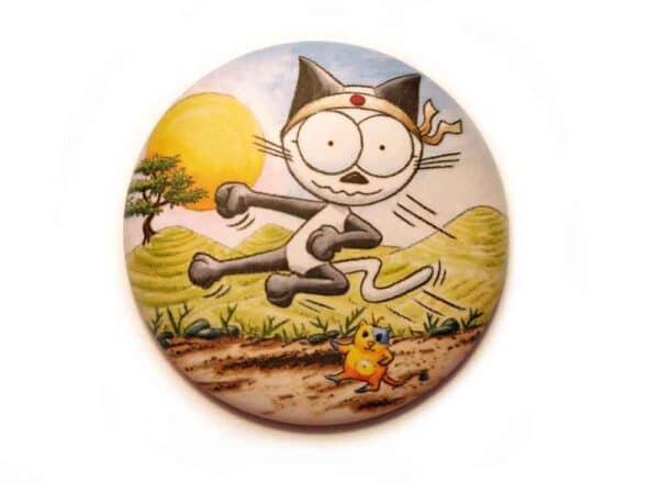 Magnet Le chat Mouraï en action karatéka aimanté