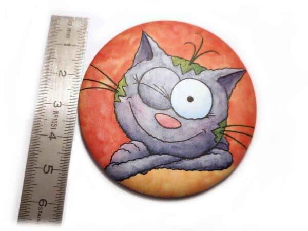 Magnet Le chat Touillis clin d'œil mesure aimant