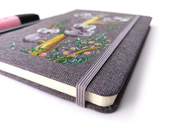 Carnet tissu Les Koalas détail élastique